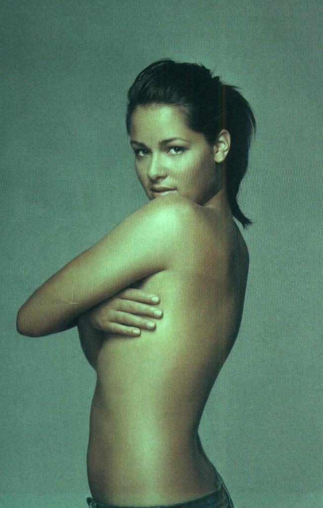 Naked ladies naked model qatar